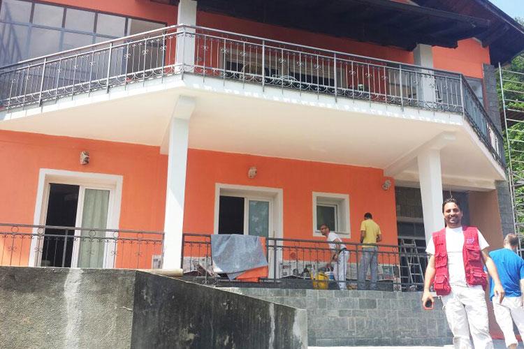 Rifacimento facciata esterna di una villa a Omegna