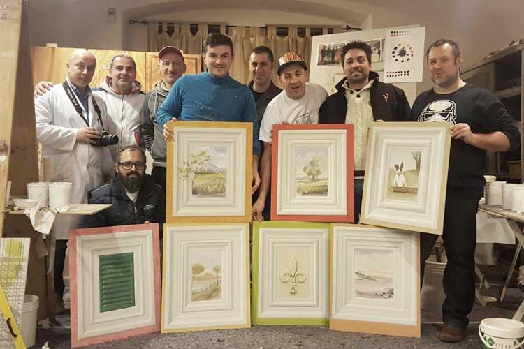 Roberto Zaffino, imbianchino a Milano e provincia con i compagni di corso di decorazioni di pregio e le opere appena terminate